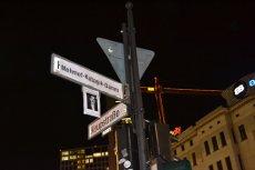 Straßenumbennenung in Berlin am 04.11.2014 in Gedenken an die Opfer des NSU: Umbenennung des Kurfürstendamms Ecke Joachimsthaler Straße in Mehmet-Kubaşıkdamm Ecke Keupstraße
