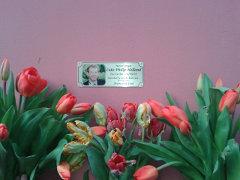 Am 4. April 2016 wäre Luke Holland 32 Jahre alt geworden, deshalb waren wir an seiner Todesstelle, um Blumen abzulegen.