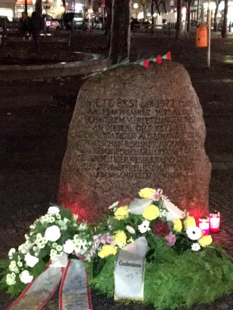 Mete Ekşi Gedenkstein am Adenauerplatz in Charlottenburg